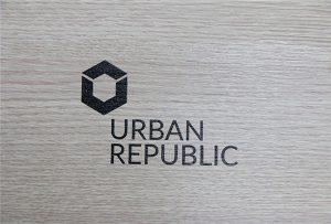 WER-D4880UV在木质材料上打印徽标